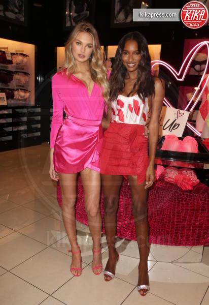 Romee Strijd, Jasmine Tookes - Los Angeles - 07-02-2019 - Gli Angeli di Victoria's Secret: cosa regalare a San Valentino?