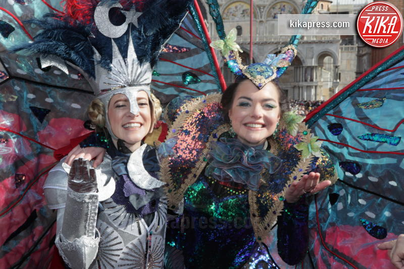 Erika Chia, Micol Rossi - Venezia - 24-02-2019 - Carnevale: Micol Rossi, l'angelo guerriero di piazza San Marco
