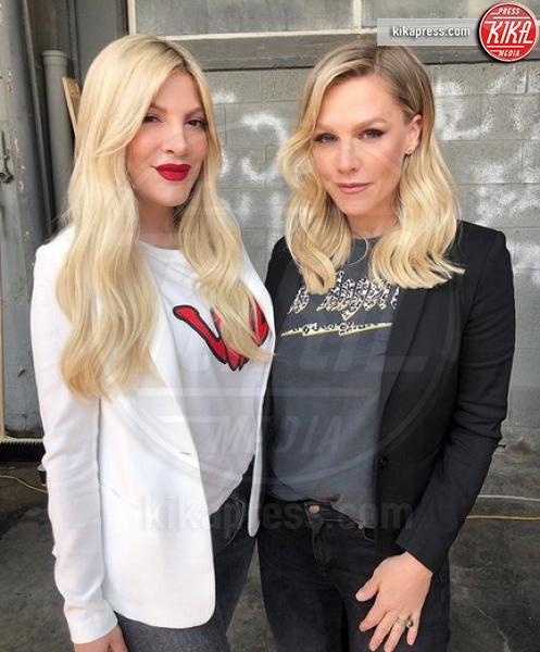 Jennie Garth, Tori Spelling - Hollywood - 03-04-2019 - Beverly Hills, i protagonisti ieri e oggi, la data italiana