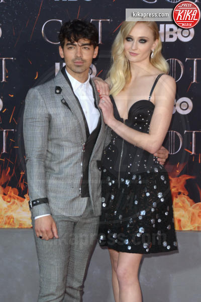 Sophie Turner, Joe Jonas - New York - 04-04-2019 - Fiocco di... spade! Incinta la star di Game of Thrones
