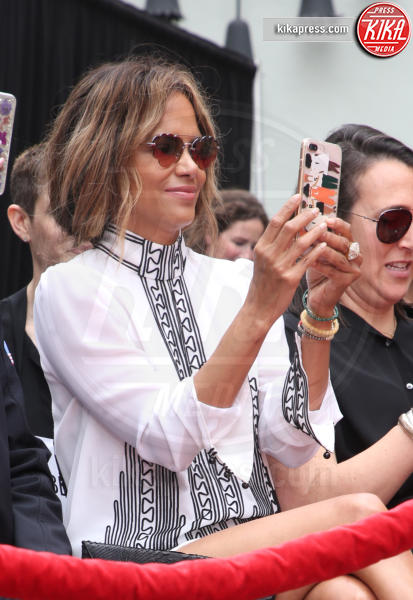 Halle Berry - Hollywood - 14-05-2019 - Keanu Reeves mette le impronte nella storia del cinema