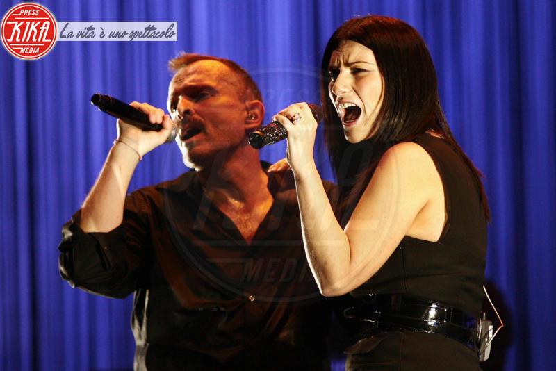 Miguel Bosè, Laura Pausini - Sanremo 2016: Il ritorno di Laura Pausini. Che cambiamento!
