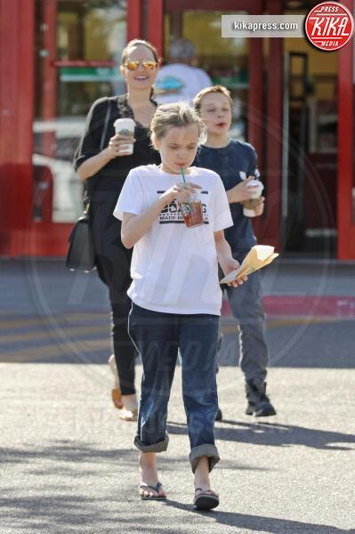 Vivienne Jolie Pitt, Shiloh Jolie Pitt, Angelina Jolie - Albuquerque - 24-07-2015 - Angelina Jolie affitta la casa di Breaking Bad. Ecco perché