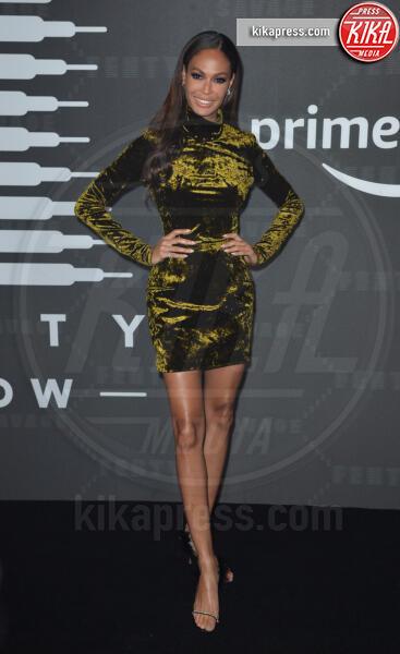 Joan Smalls - New York - 11-09-2019 - Vanessa Hudgens, sotto il vestito niente al Fenty Event