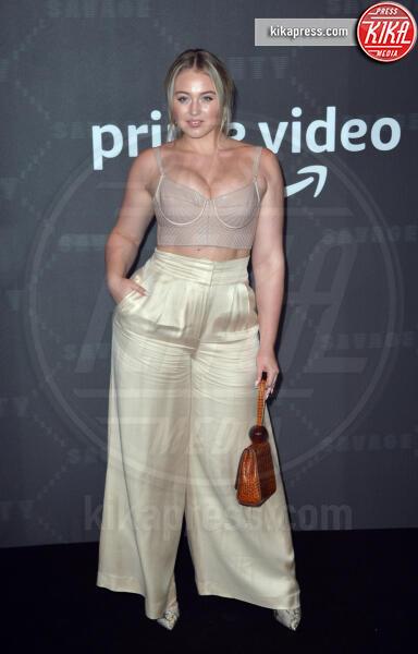 Iskra Lawrence - New York - 11-09-2019 - Vanessa Hudgens, sotto il vestito niente al Fenty Event
