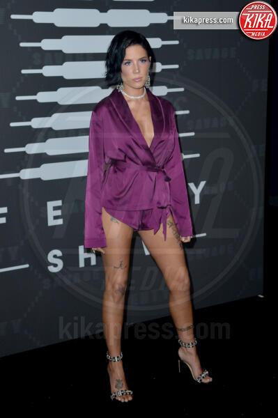 Halsey - New York - 11-09-2019 - Vanessa Hudgens, sotto il vestito niente al Fenty Event
