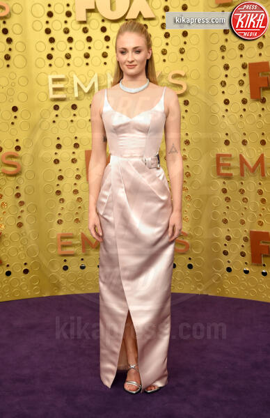 Sophie Turner - Los Angeles - 23-10-2019 - Emmy 2019: trionfano Fleabag, Game of Thrones e Chernobyl