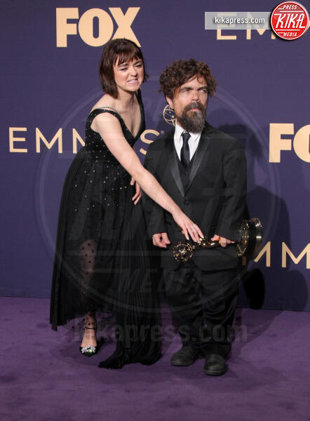 Maisie Williams, Peter Dinklage - Los Angeles - 22-09-2019 - Emmy 2019: trionfano Fleabag, Game of Thrones e Chernobyl