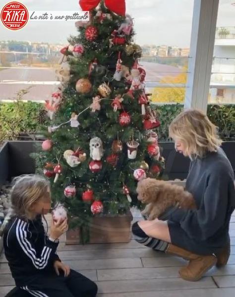 Alessia Marcuzzi - Hollywood - 09-12-2019 - Natale 2019, gli alberi delle star? Vic Beckham la più originale