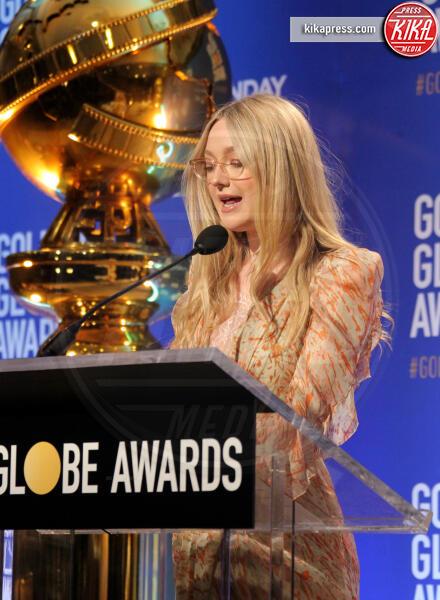 Dakota Fanning - Los Angeles - 09-12-2019 - Golden Globes 2020: alle nomination trionfo The Crown e Scorsese