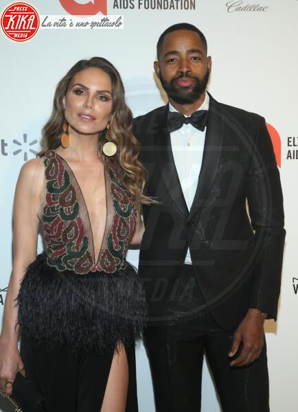 Jay Ellis, Nina Senicar - Los Angeles - 09-02-2020 - Oscar, Nina Senicar neomamma in forma al party di Elton John