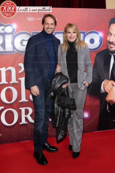 Gianluca Delli Ficorelli, Monica Leofreddi - Roma - 13-02-2020 - Elena Santarelli e Bernardo Corradi a teatro per Enrico Brignano
