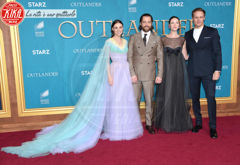 Richard Rankin, Sophie Skelton, Caitriona Balfe, Sam Heughan - Hollywood - 14-02-2020 - Outlander: il duo Heughan-Balfe ci conduce nella quinta stagione