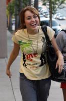Miley Cyrus - Hollywood - 01-04-2008 - Miley Cyrus chiede scusa ai fan