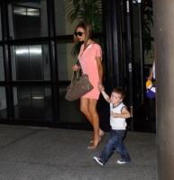 Cruz Beckham, Brooklyn Beckham, Victoria Beckham - Hollywood - 22-04-2008 - Suri Cruise eletta bambina più potente di Hollywood