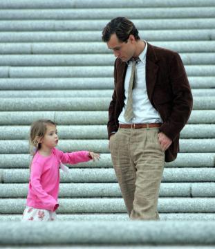 Jude Law - 07-02-2005 - Jude Law ci ricasca: quinto figlio in arrivo…dalla ex!