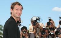Jude Law - Cannes - 17-05-2007 - Jude Law e Kimberly Stewart innamorati come ragazzini
