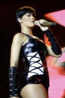 Rihanna - Mosca - 23-03-2008 - Un regalo da 100.000 dollari per Rihanna