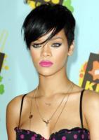 Rihanna - Beverly Hills - 30-03-2008 - Un regalo da 100.000 dollari per Rihanna