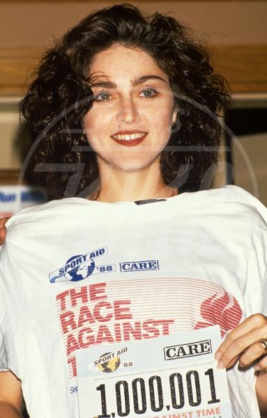 """Madonna - 01-01-1988 - Madonna si confessa: """"Sono stata violentata"""""""