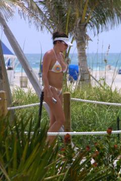 Laura Pausini - Sanremo 2016: Il ritorno di Laura Pausini. Che cambiamento!