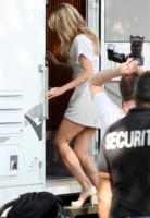 Heidi Klum - Los Angeles - 21-11-2008 - Heidi Klum si fa male sul set di una pubblicità